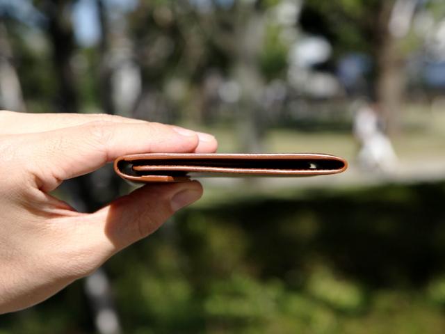 新製品 薄い二つ折り財布「Cartolare(カルトラーレ) フラットウォレット」登場